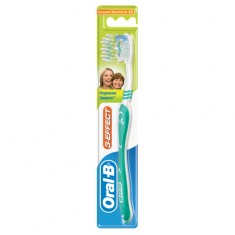 Щетка зубная ORAL-B Натуральная свежесть средняя
